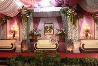 bunga dekorasi pernikahan