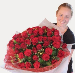 Gambar Bunga Valentine Mawar 50 Tangkai
